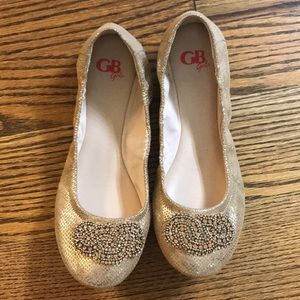 GN GIRLS 5M gold flats- never worn great condition